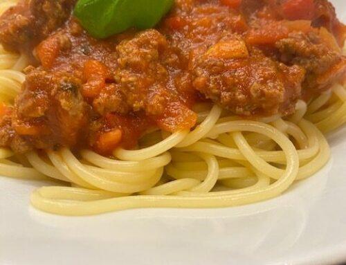 Spaghetti Bolonaise with 6 vegetables.